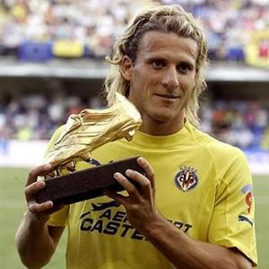 Forlan Aranycipő-díjjal - Európa legjobb góllövője 2005-ben